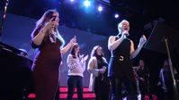 Soraya da un concierto a bebés aún no nacidos