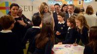 SM la Reina conoce los avances y retos de la inclusión en ER