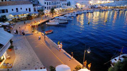 Más de 800 turistas británicos inventaron falsas intoxicaciones alimentarias para viajar a España gratis