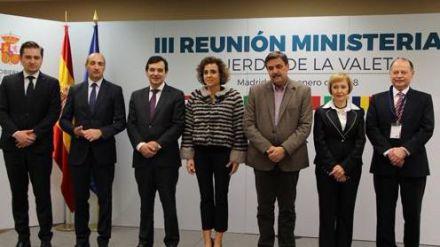 Dolors Montserrat: 'España lidera en el sur de Europa un modelo para disminuir las desigualdades en el acceso a medicamentos'