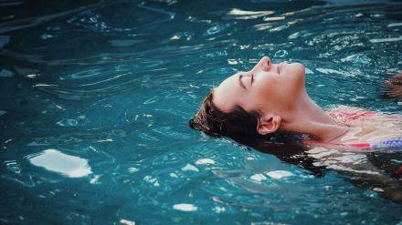 ¿Cómo evitar accidentes en playas y piscinas?