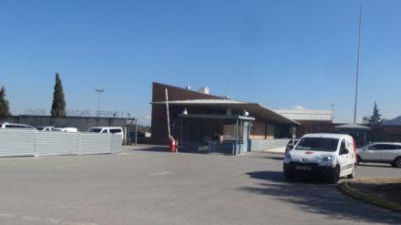 Sorprendidas emborrachándose en la biblioteca de un centro penitenciario con gel hidroalcohólico