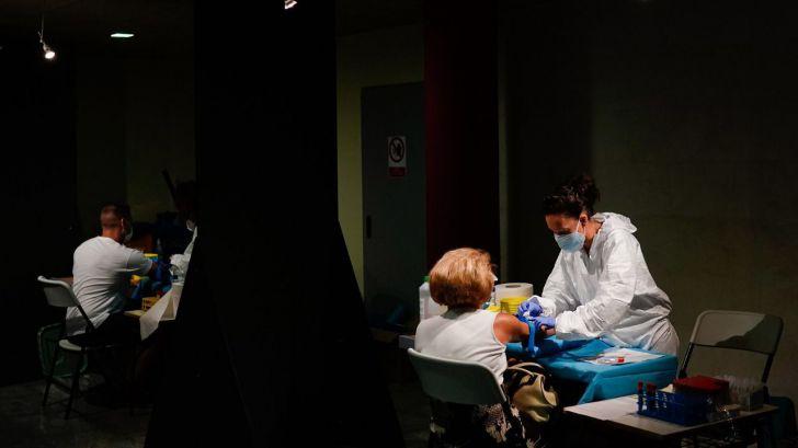 El coronavirus desde el inicio de la pandemia habría infectado a una de cada diez personas en España
