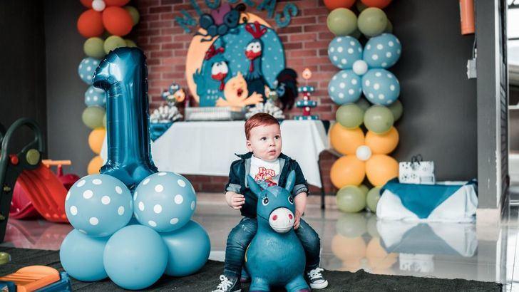 ¡Cuidado con los globos! Un niña de 8 años se asfixia con un globo de helio