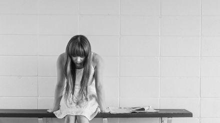 Condenado por suministrar a su hija de 12 años dióxido de cloro para protegerla de