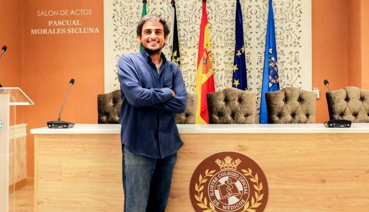El doctor García Lanzas acude a Bisáu con el primer proyecto de 'Cooperación Internacional'
